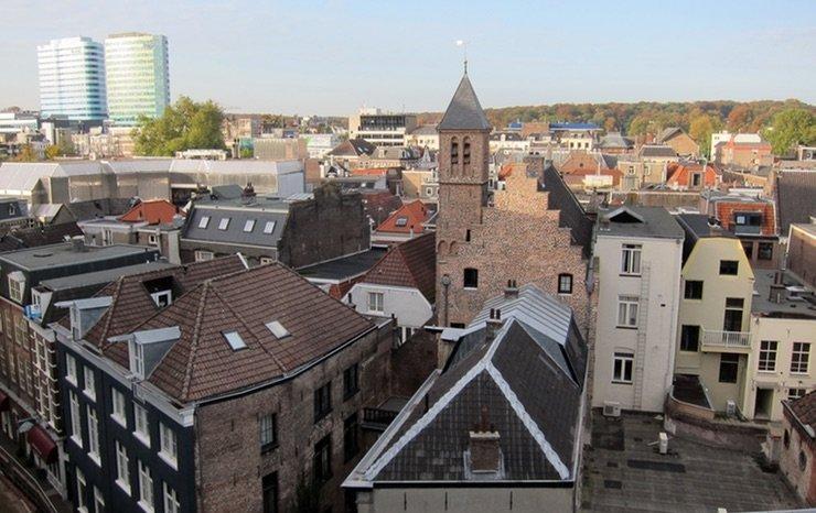 Kantoorruimte Arnhem huren of liever een Werkplek, flexplek of kantoor